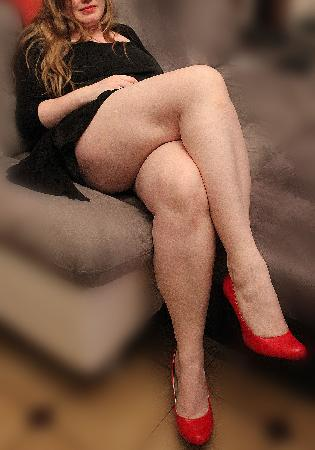 <H6><font color=white>lamoureu  <i>Jolies jambes sexy !</i></H6>